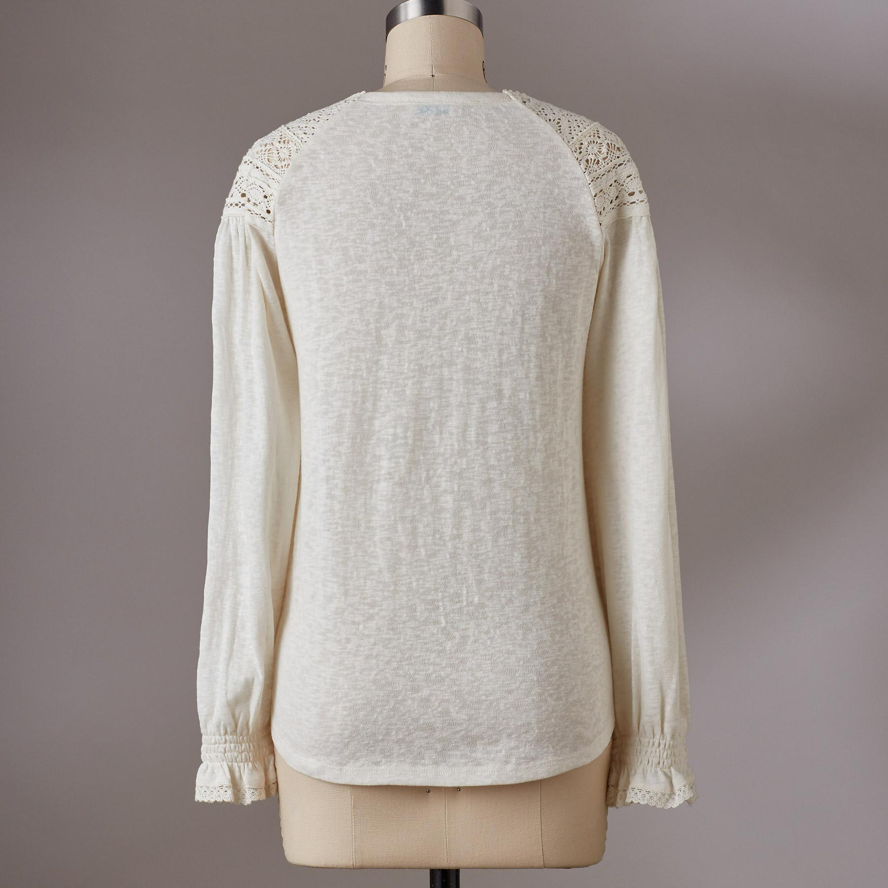 GRACEFUL LACE TOP: View 2