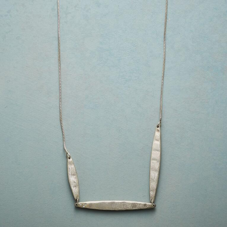 FIELD OF DIAMONDS NECKLACE