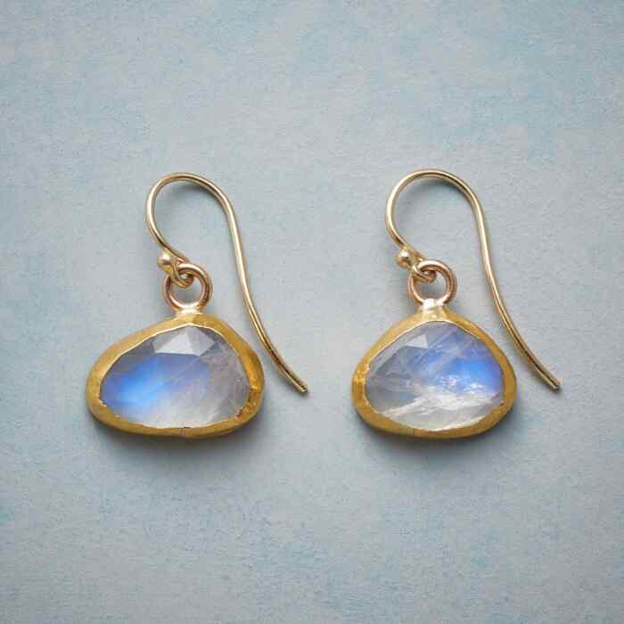 LUNESSENCE EARRINGS