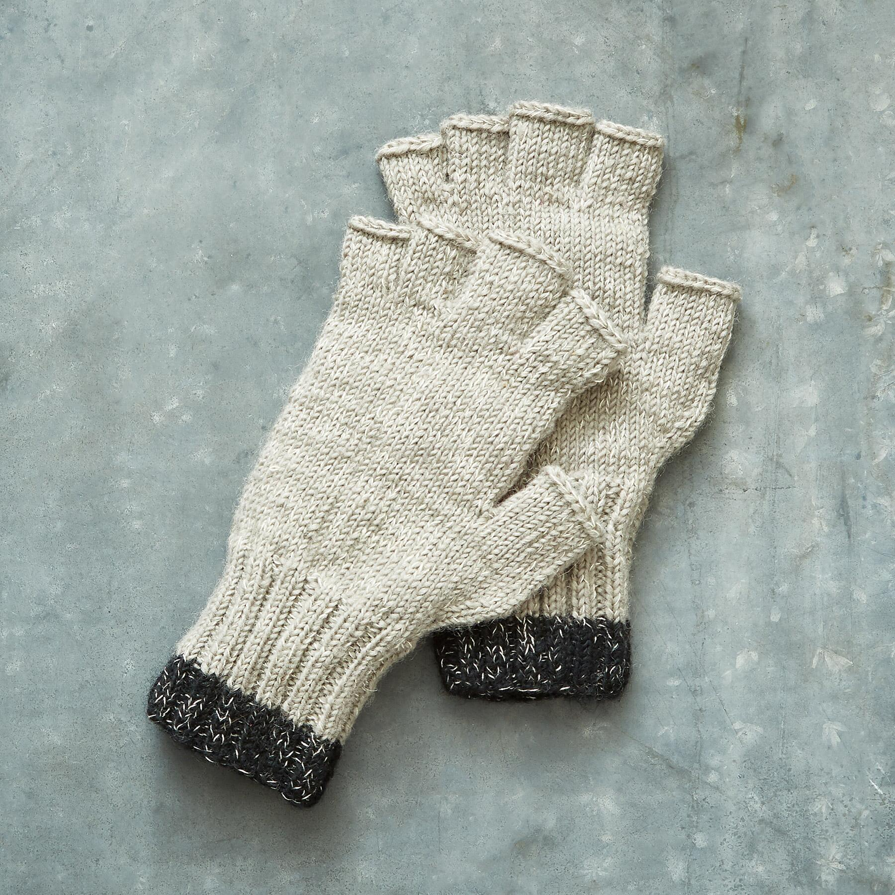 SNOWSTORM CLIFF GLOVES: View 1