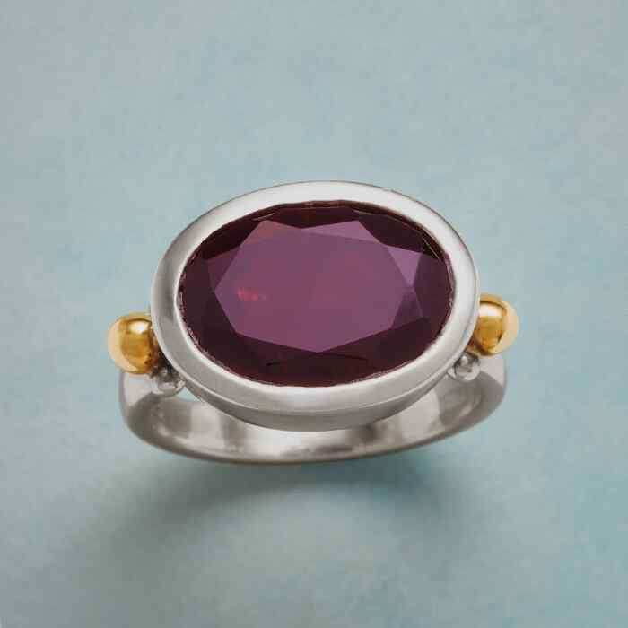 GARNET ATTRACTION RING
