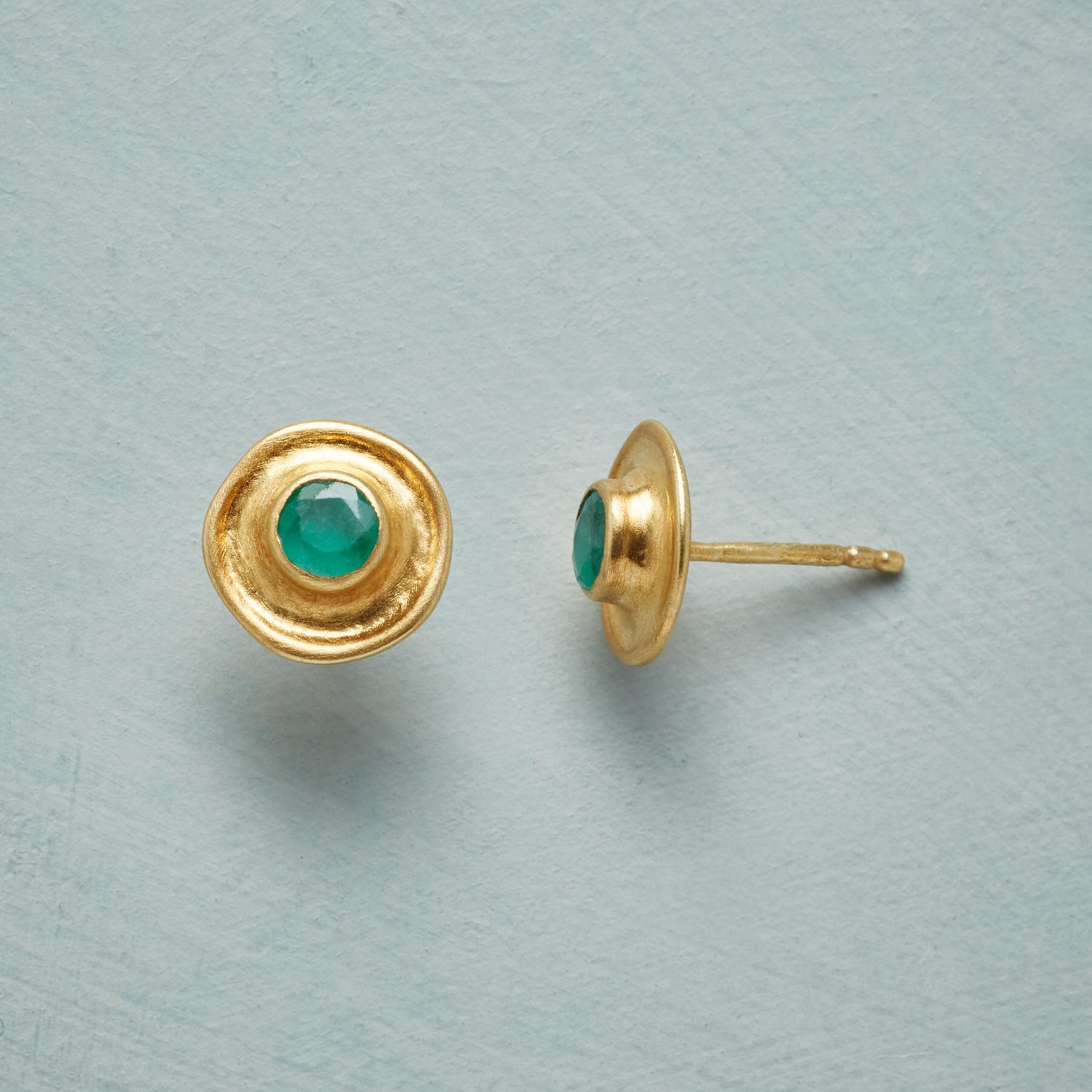 EMERALD MONUMENT EARRINGS: View 1