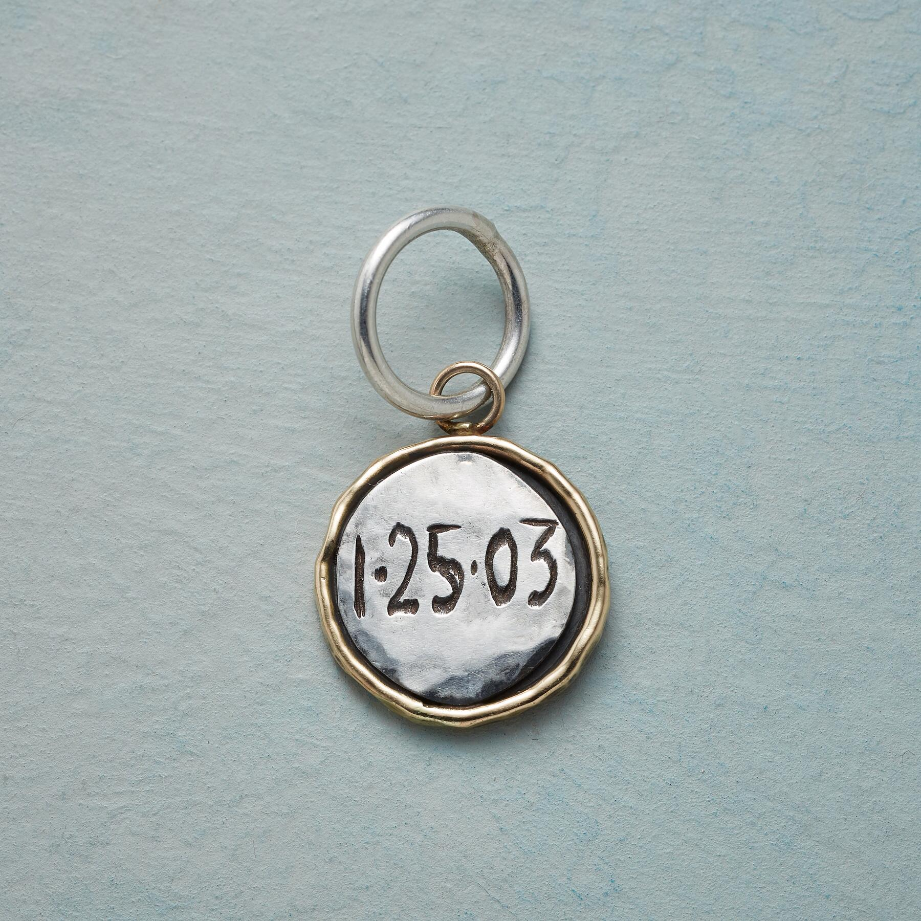SPECIAL DATE CHARM: View 2