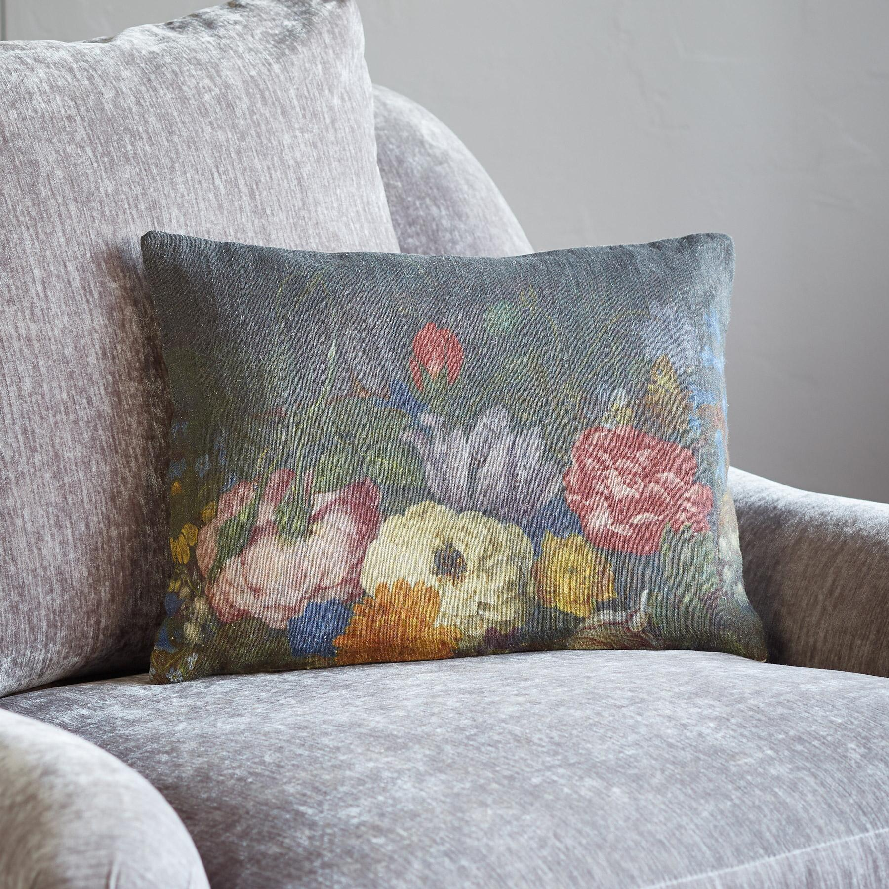 BLOEMEN LINEN PILLOW: View 2