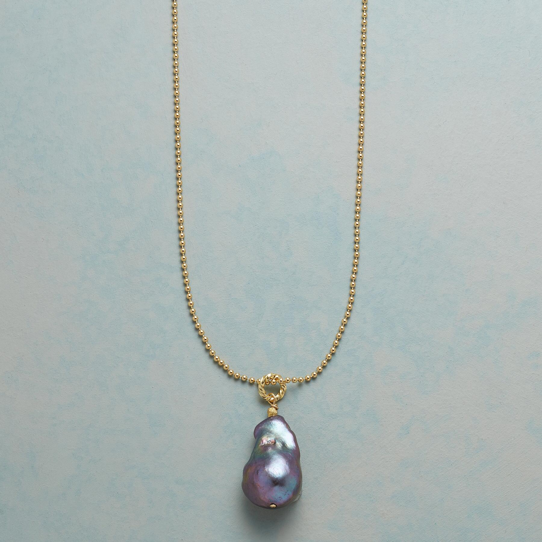 BOUNDLESS PEARL NECKLACE: View 1