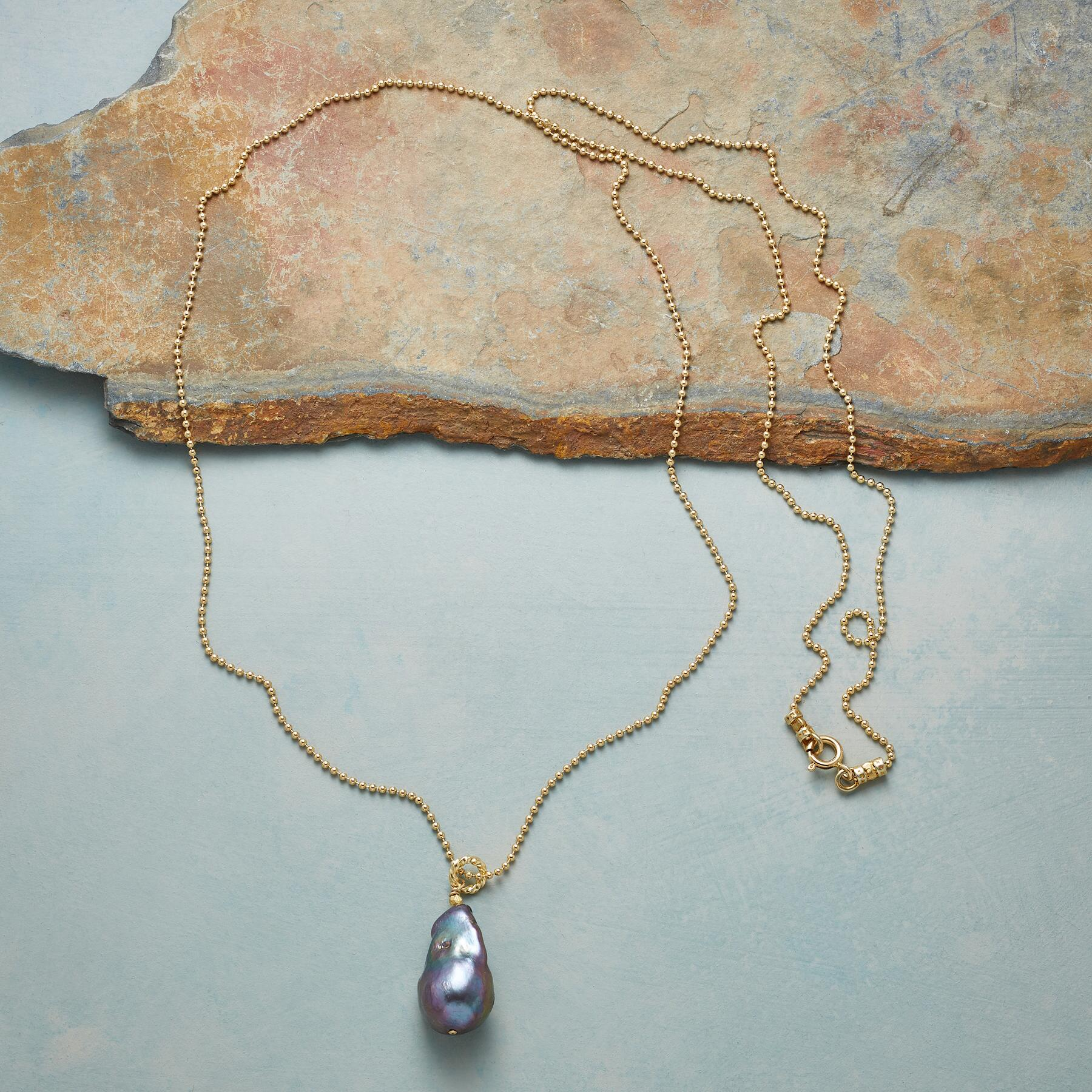 BOUNDLESS PEARL NECKLACE: View 2