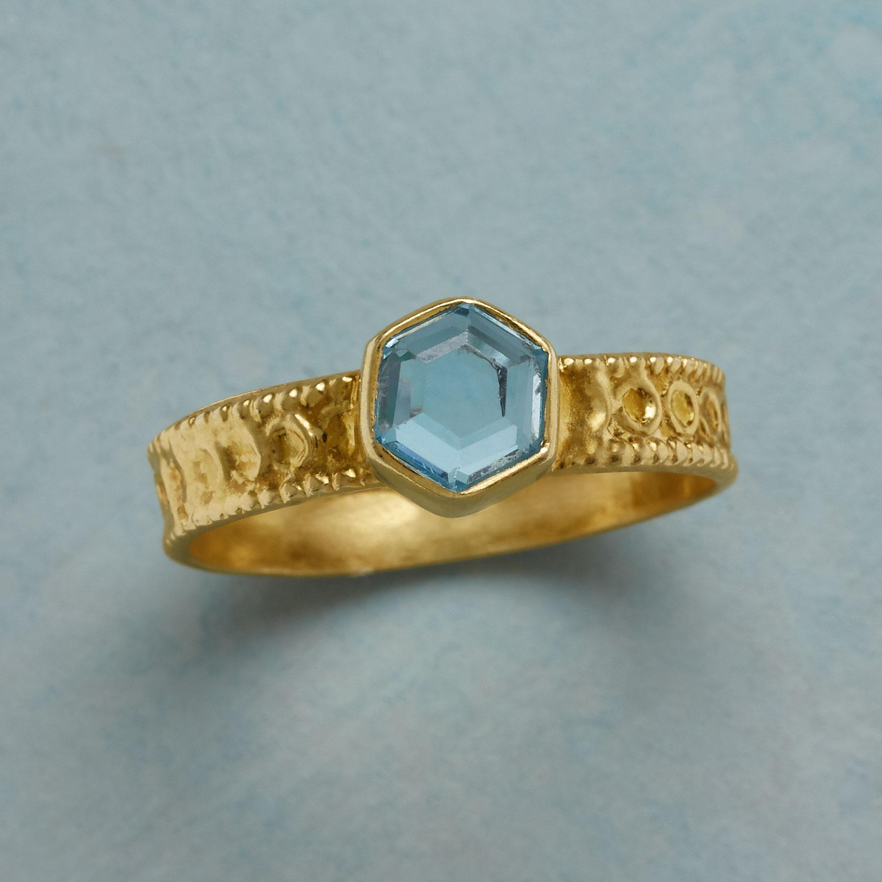 VICTOIRE RING: View 1