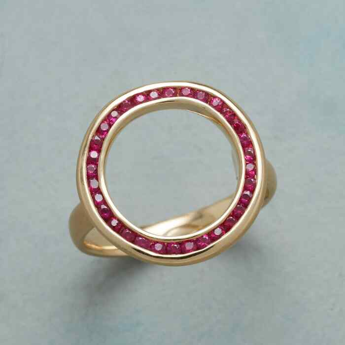 CIRCLE THE RUBIES RING