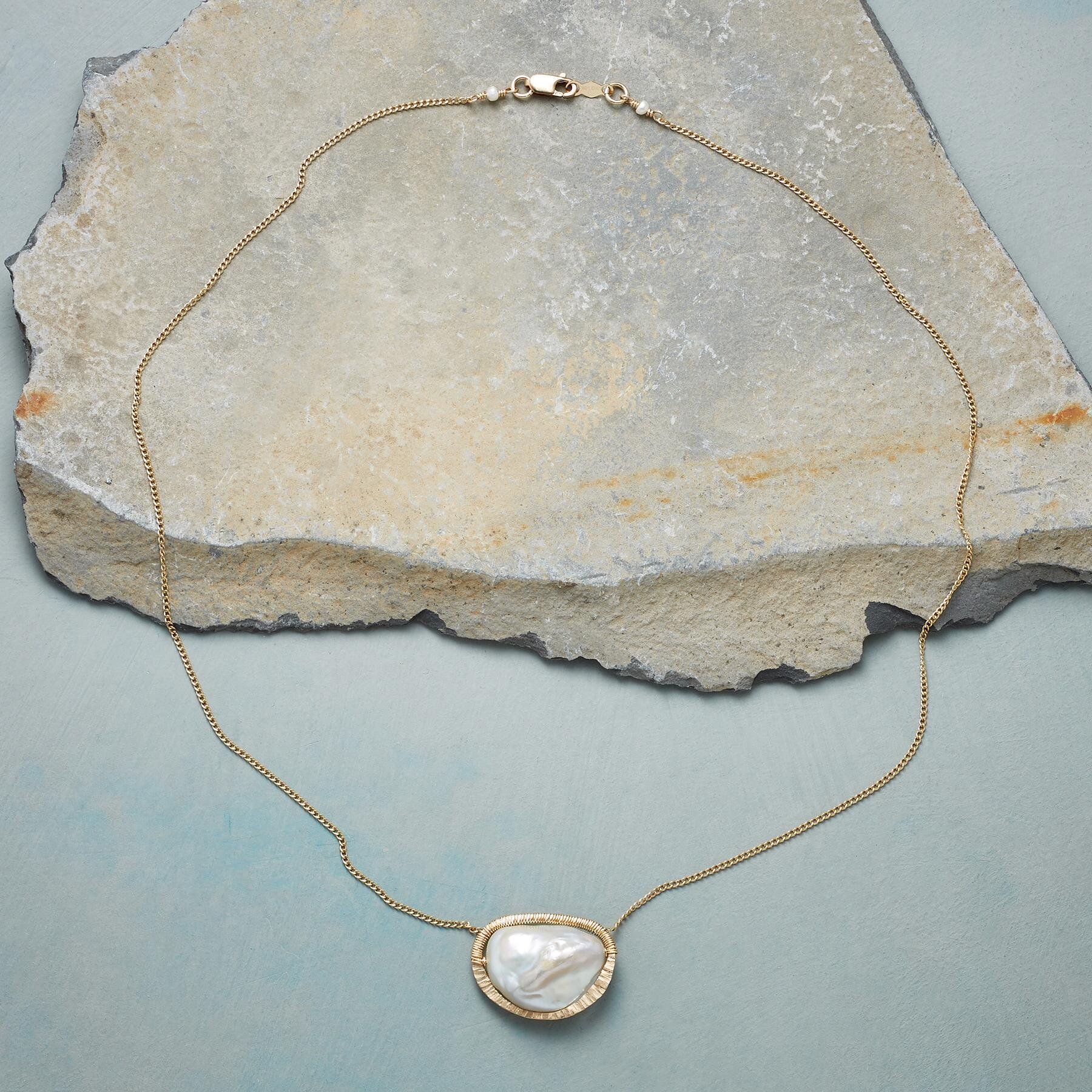 PEARL CENTRAL NECKLACE: View 2