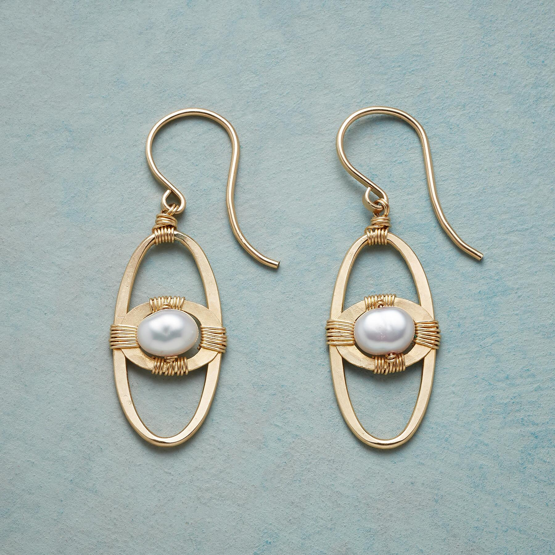 SPACE AGE PEARL EARRINGS: View 1