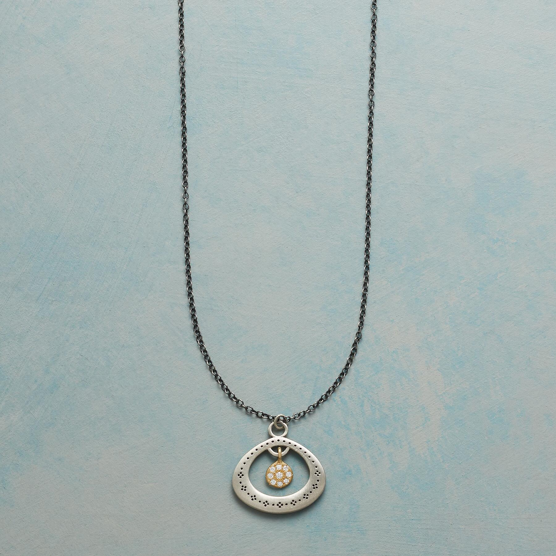 DIAMOND CENTRIC NECKLACE: View 1