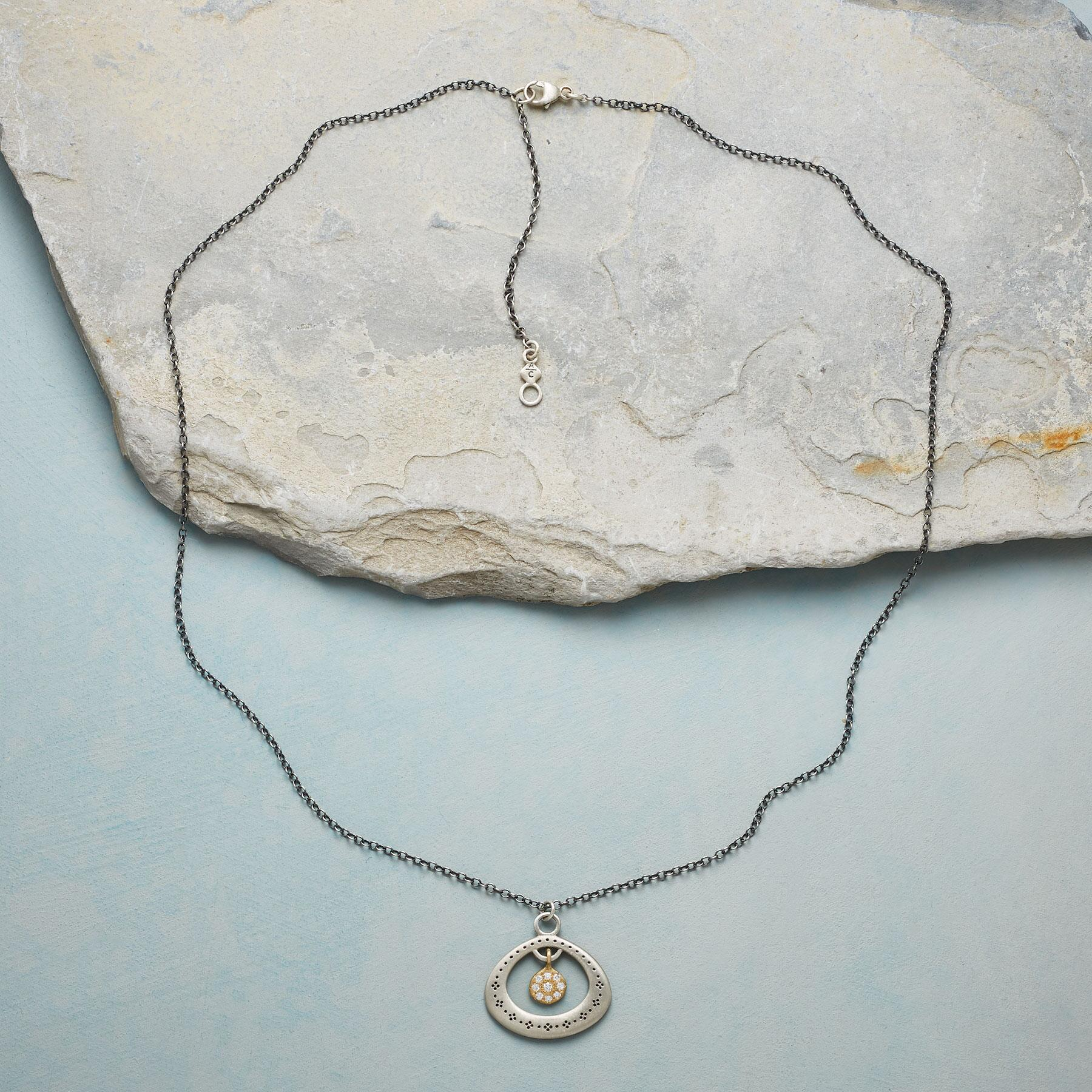 DIAMOND CENTRIC NECKLACE: View 2