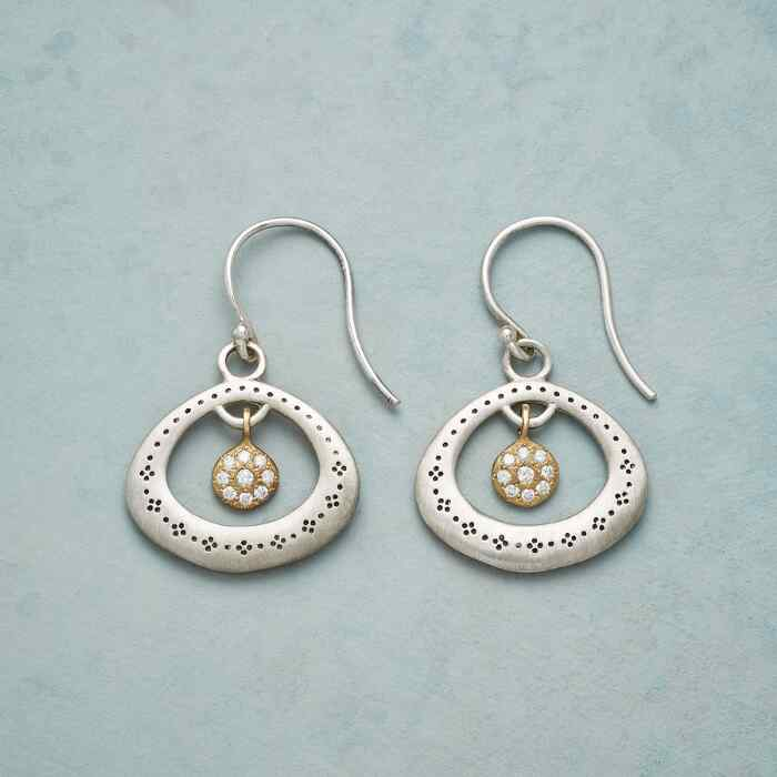 DIAMOND CENTRIC EARRINGS