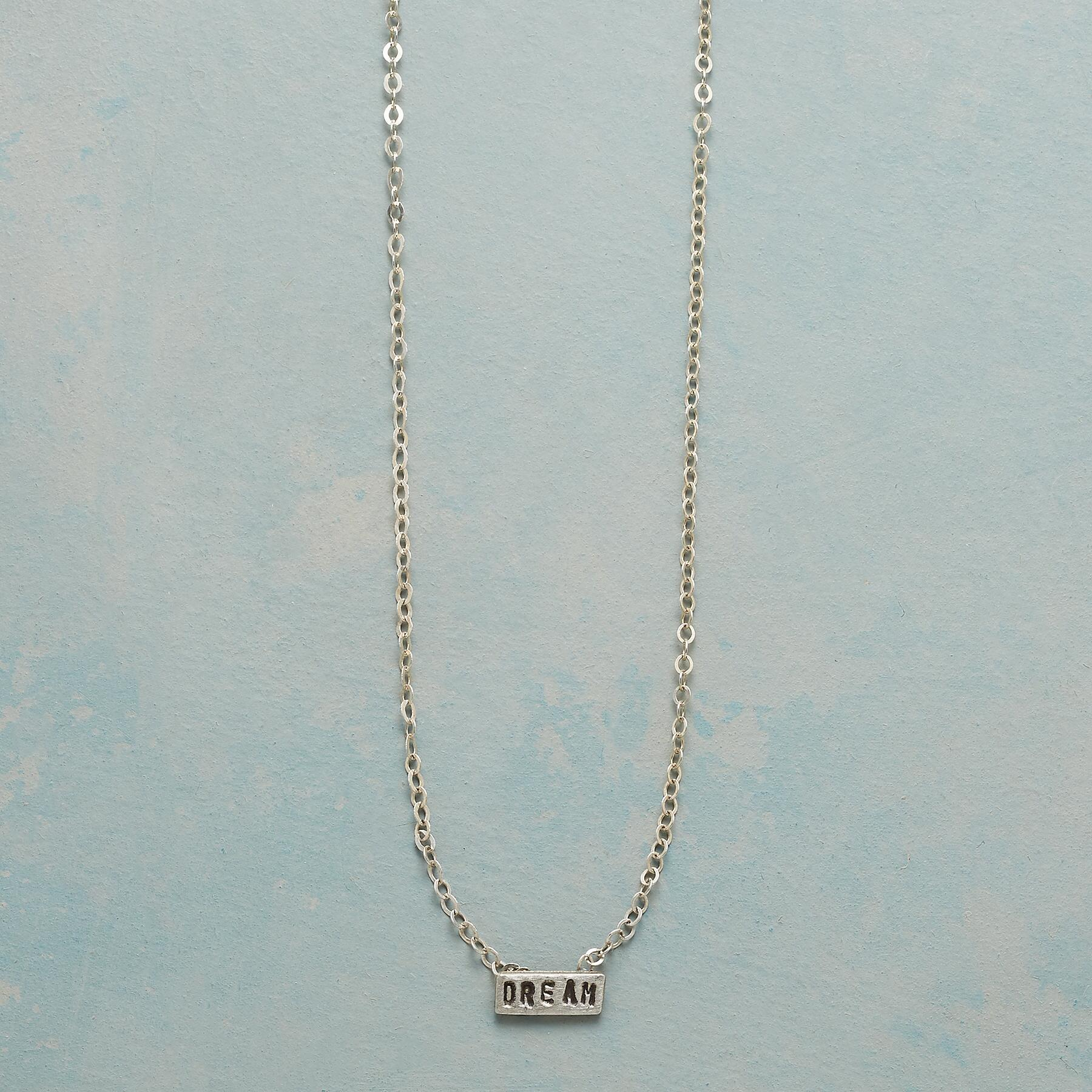 DREAM SENTIMENT NECKLACE: View 1
