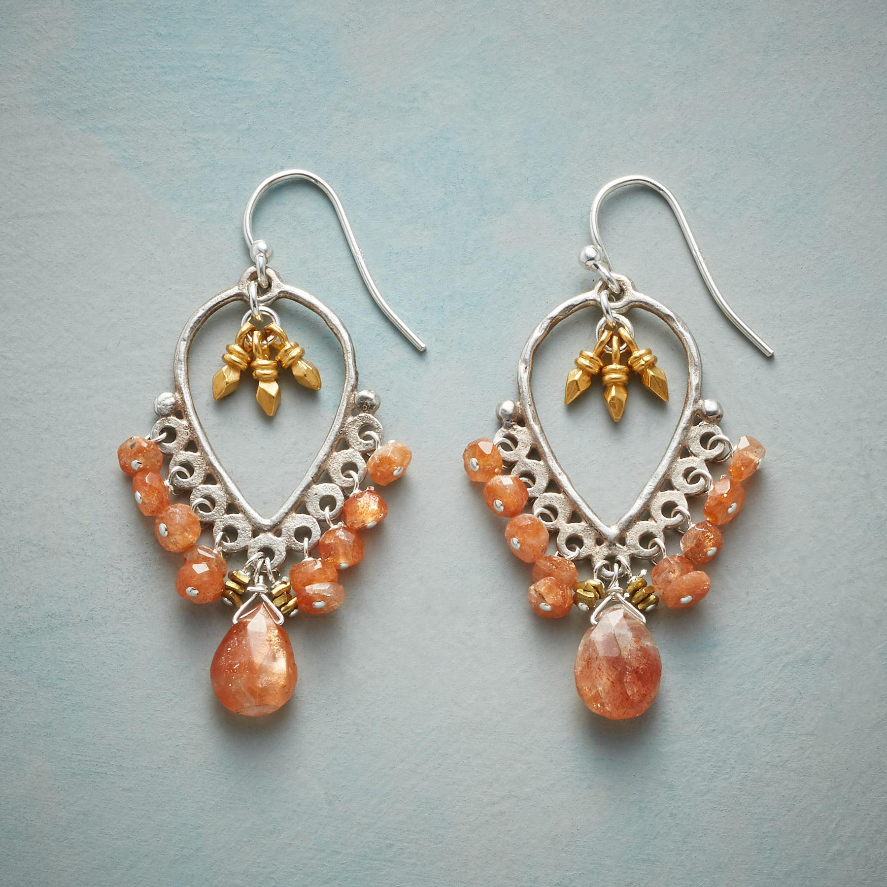 PRETTY PAPRIKA EARRINGS: View 1