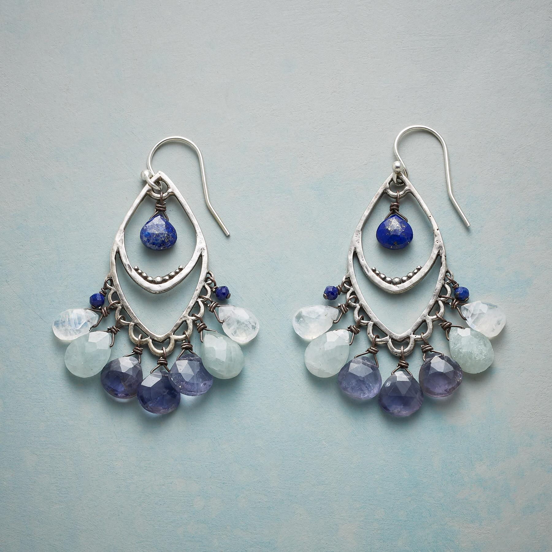 DANCING QUEEN EARRINGS: View 1