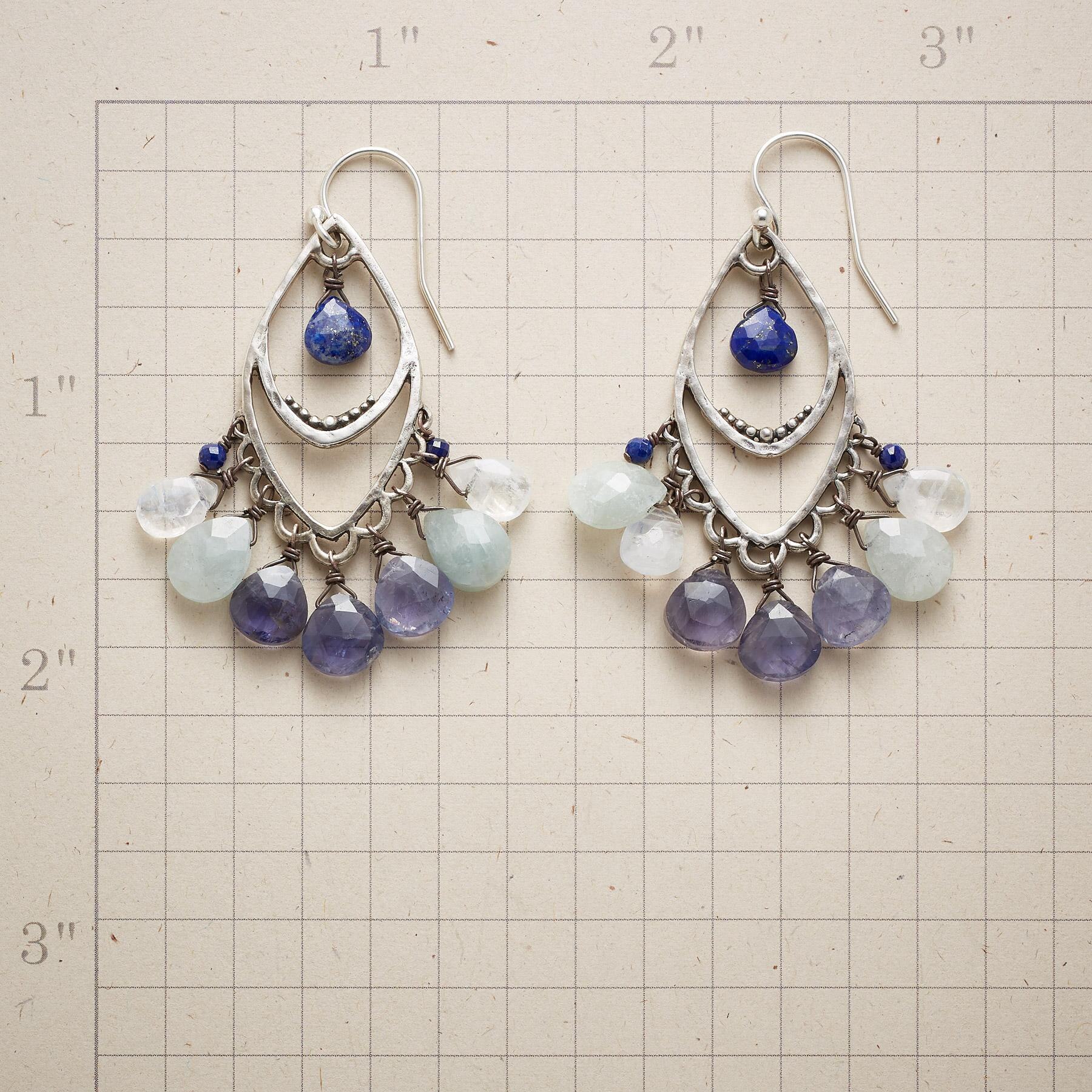 DANCING QUEEN EARRINGS: View 2