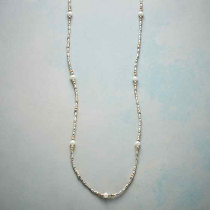 STRAND OF SIMPLICITY NECKLACE