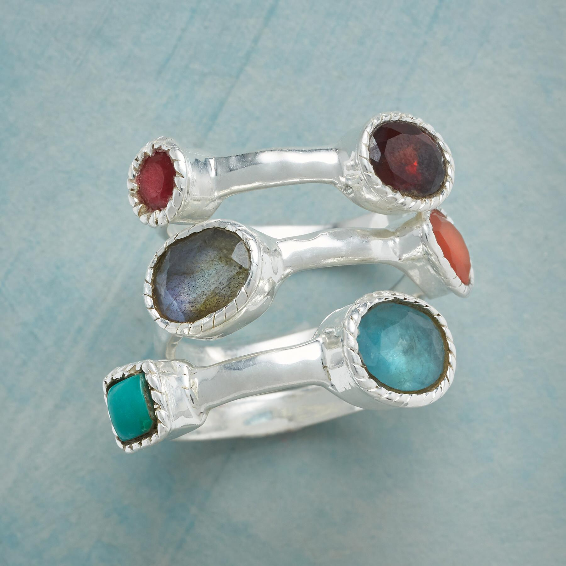 CLUSTER OF GEMS RING TRIO S/3: View 1