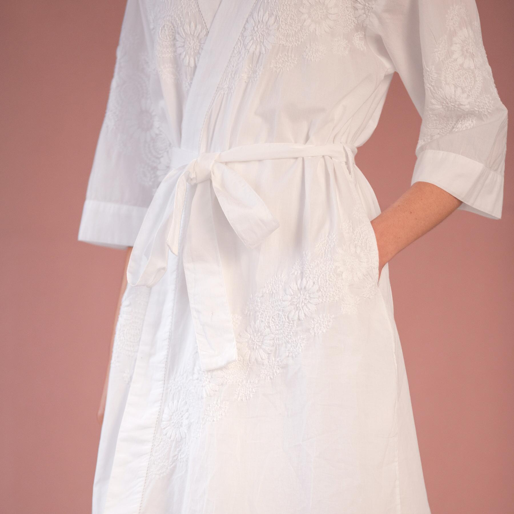 REINA EMBROIDERED ROBE: View 3