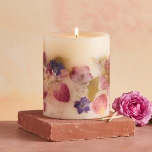PRESSED PETALS SCENTED CANDLE