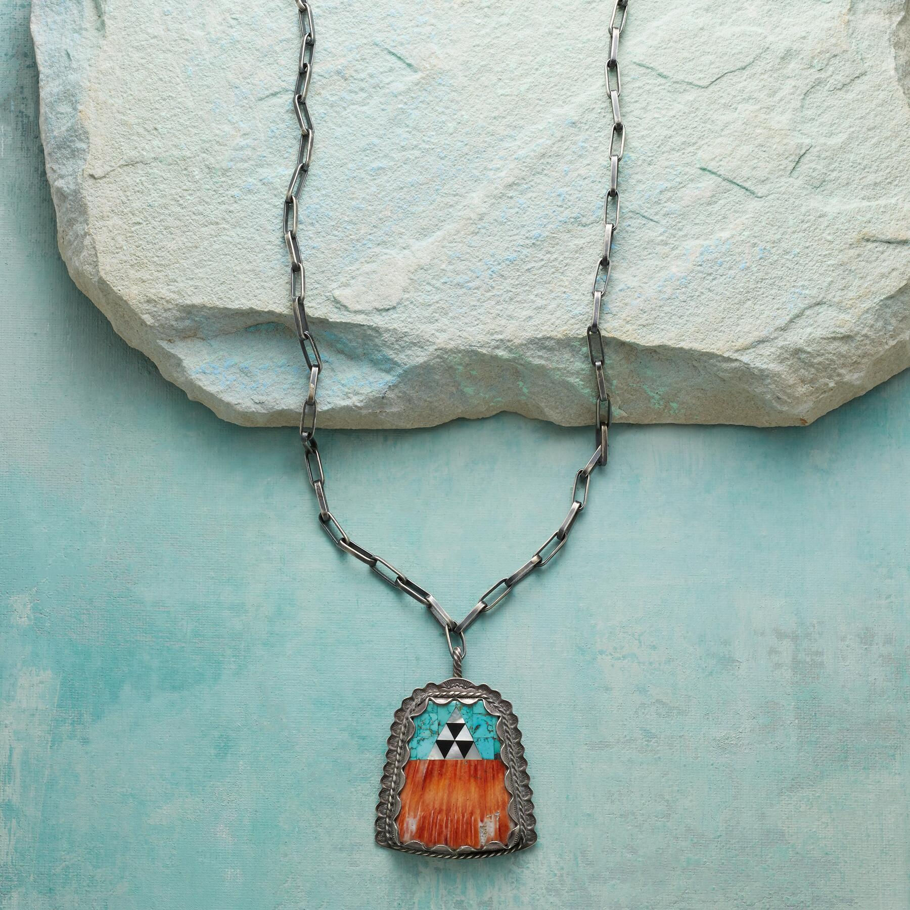 1970S SPINY OYSTER & TURQUOISE NECKLACE: View 1