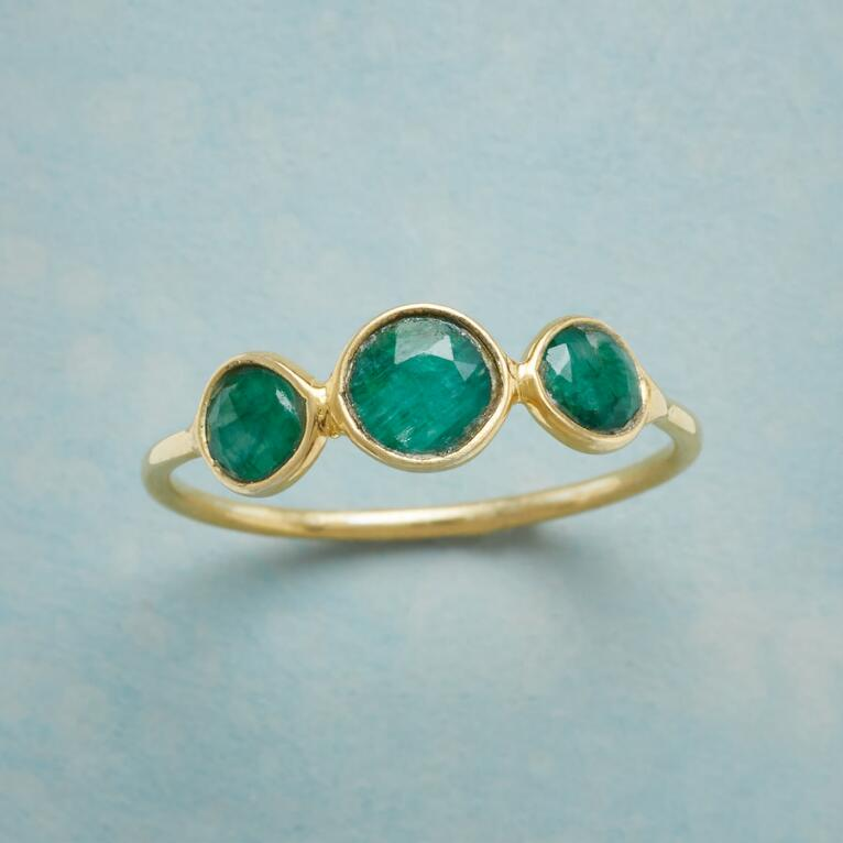 GREEN TRIO RING