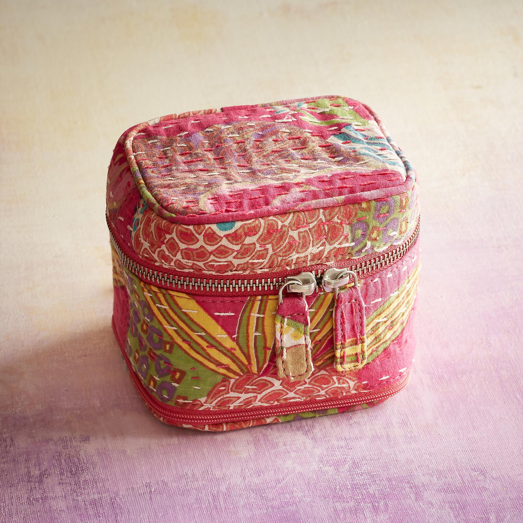 KANTHA STITCHERY JEWELRY CASE: View 2