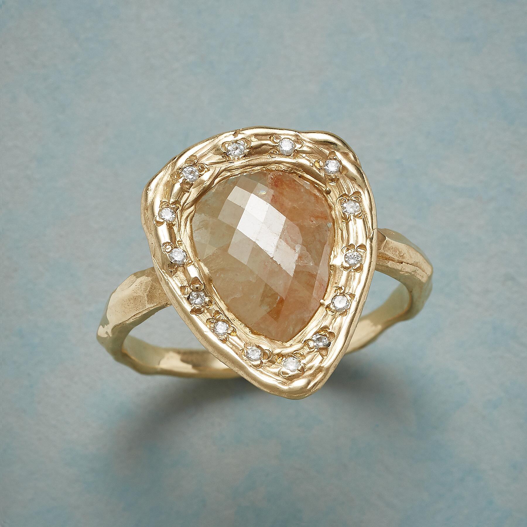 HONEY DIAMOND RING: View 1