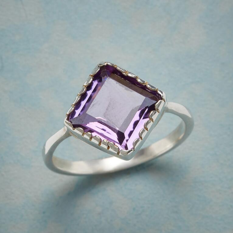 ANGLED AMETHYST RING
