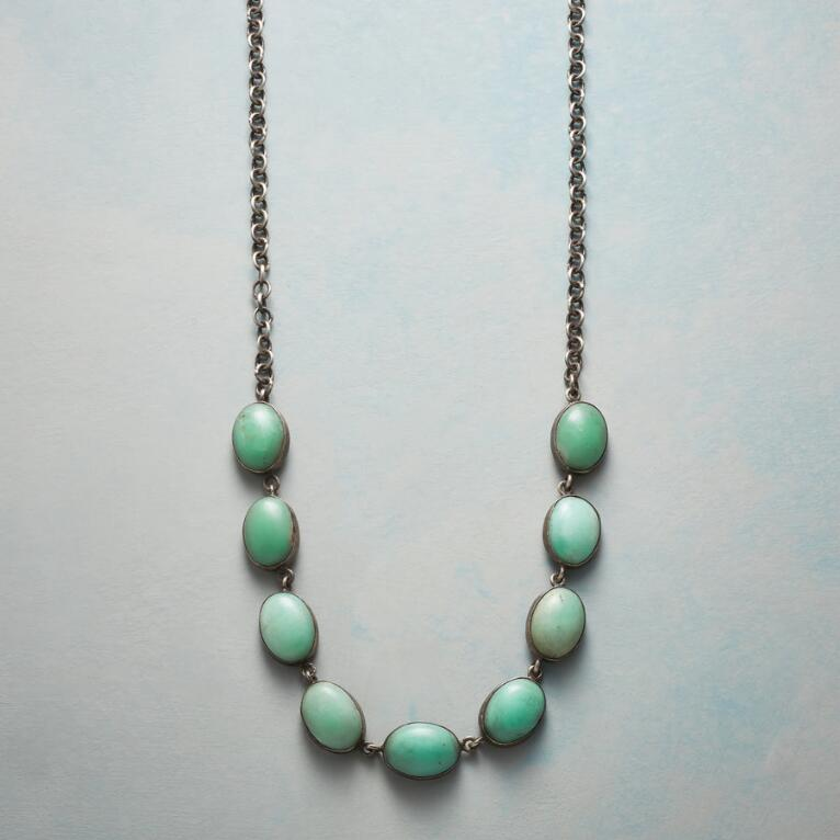 CHRYSOPRASE CABOCHON NECKLACE