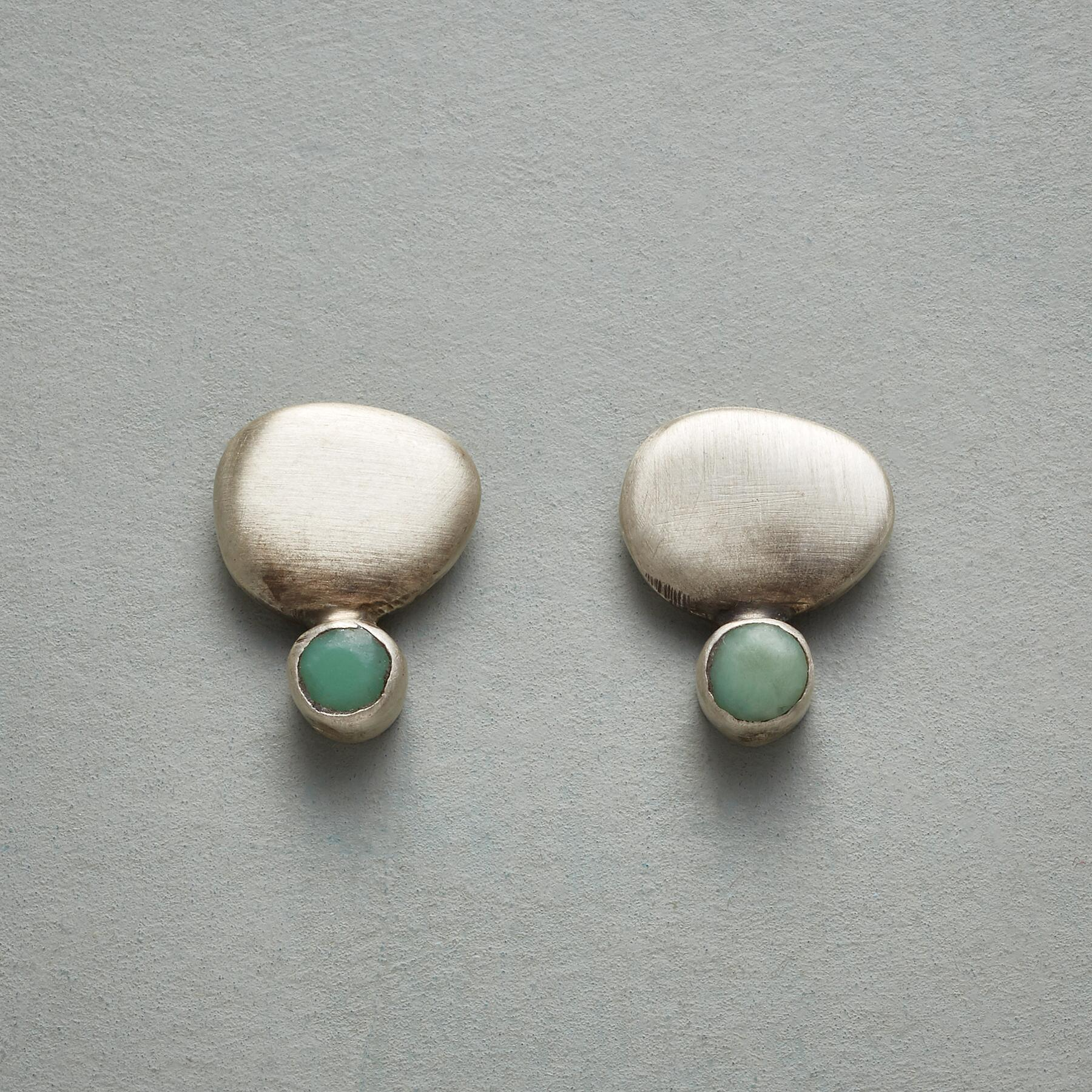 PEBBLES AND MOSS EARRINGS: View 1