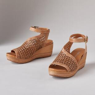 BOUNDLESS LOVE SANDALS