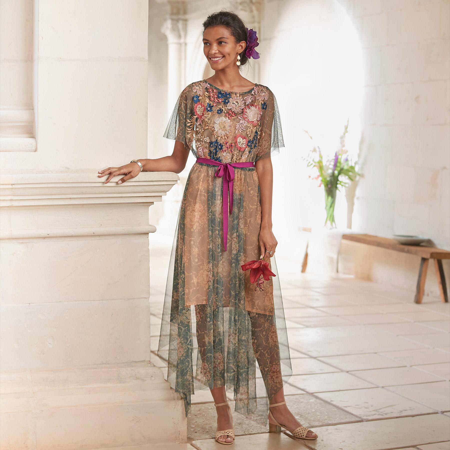 BOTANICAL BREEZE DRESS PETITE: View 1