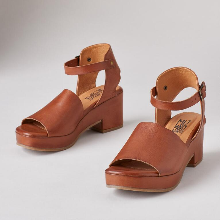 GIA SANDALS