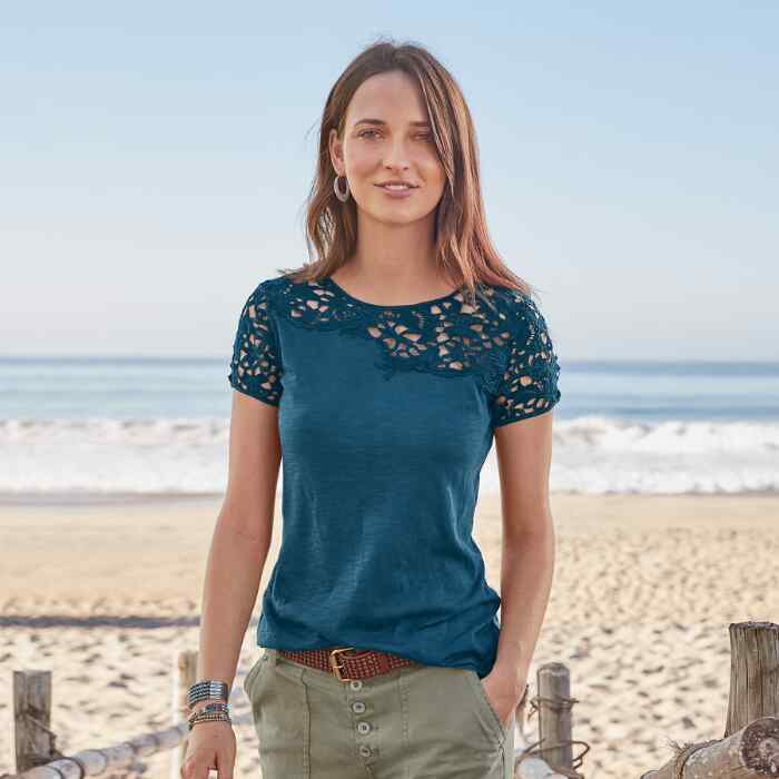 LOVELIER DAYS SHORT SLEEVE TEE - PETITES