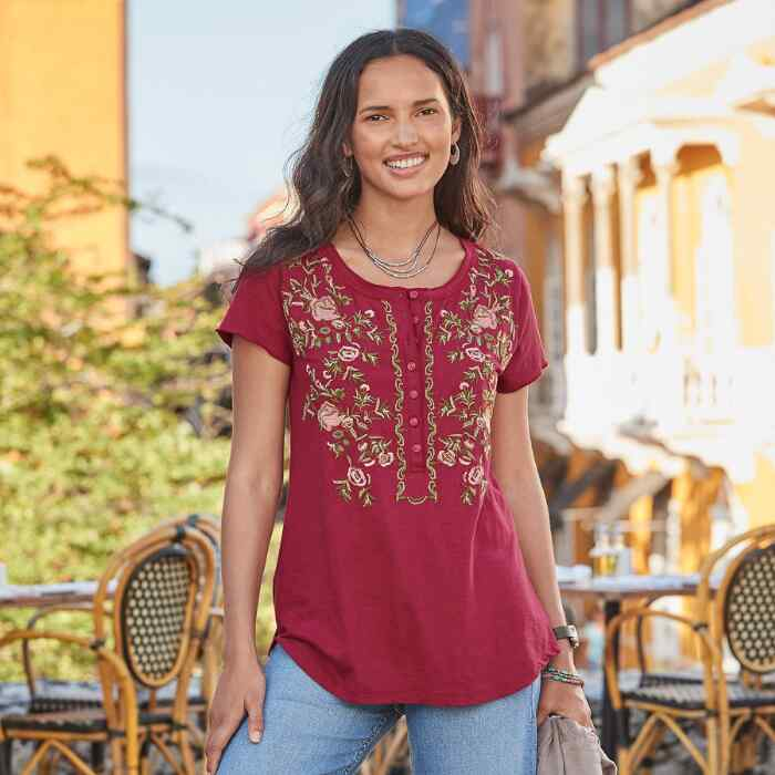 FIELDS IN BLOOM TOP - PETITES