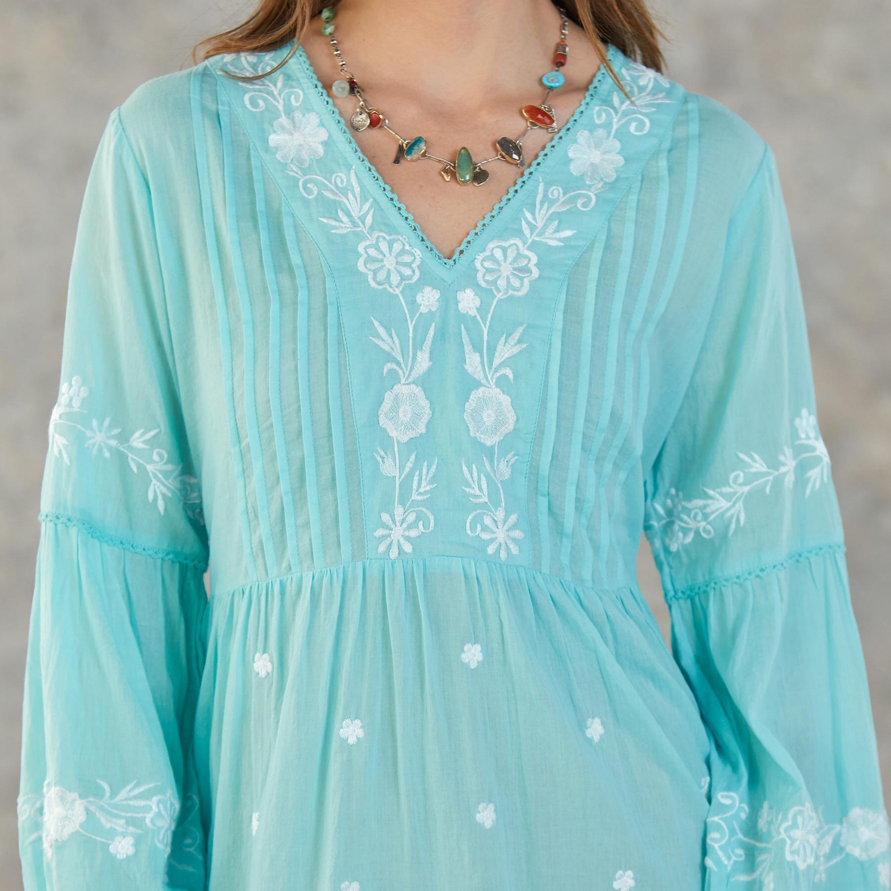PALOMA DRESS: View 3
