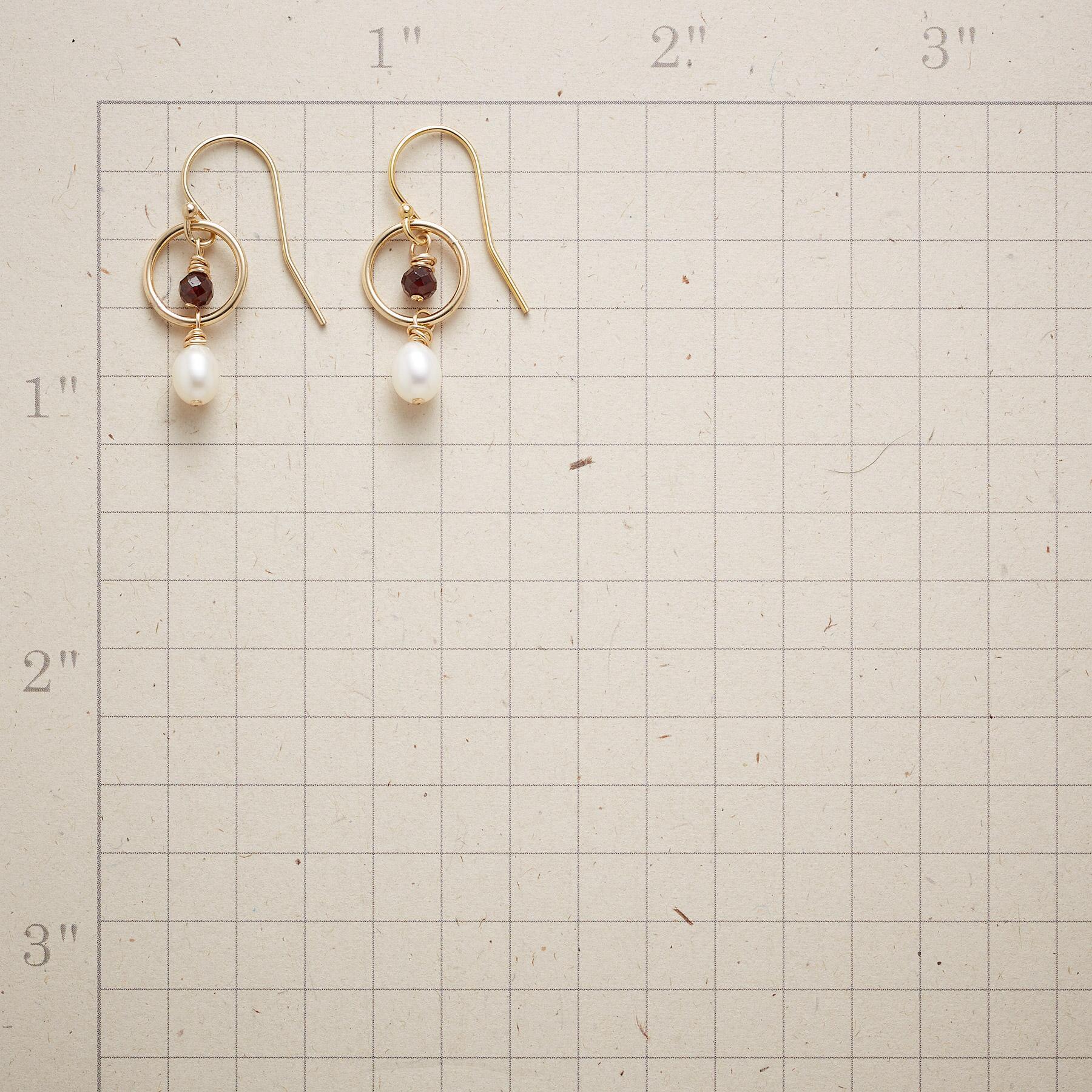 LASSOED PEARL EARRINGS: View 2
