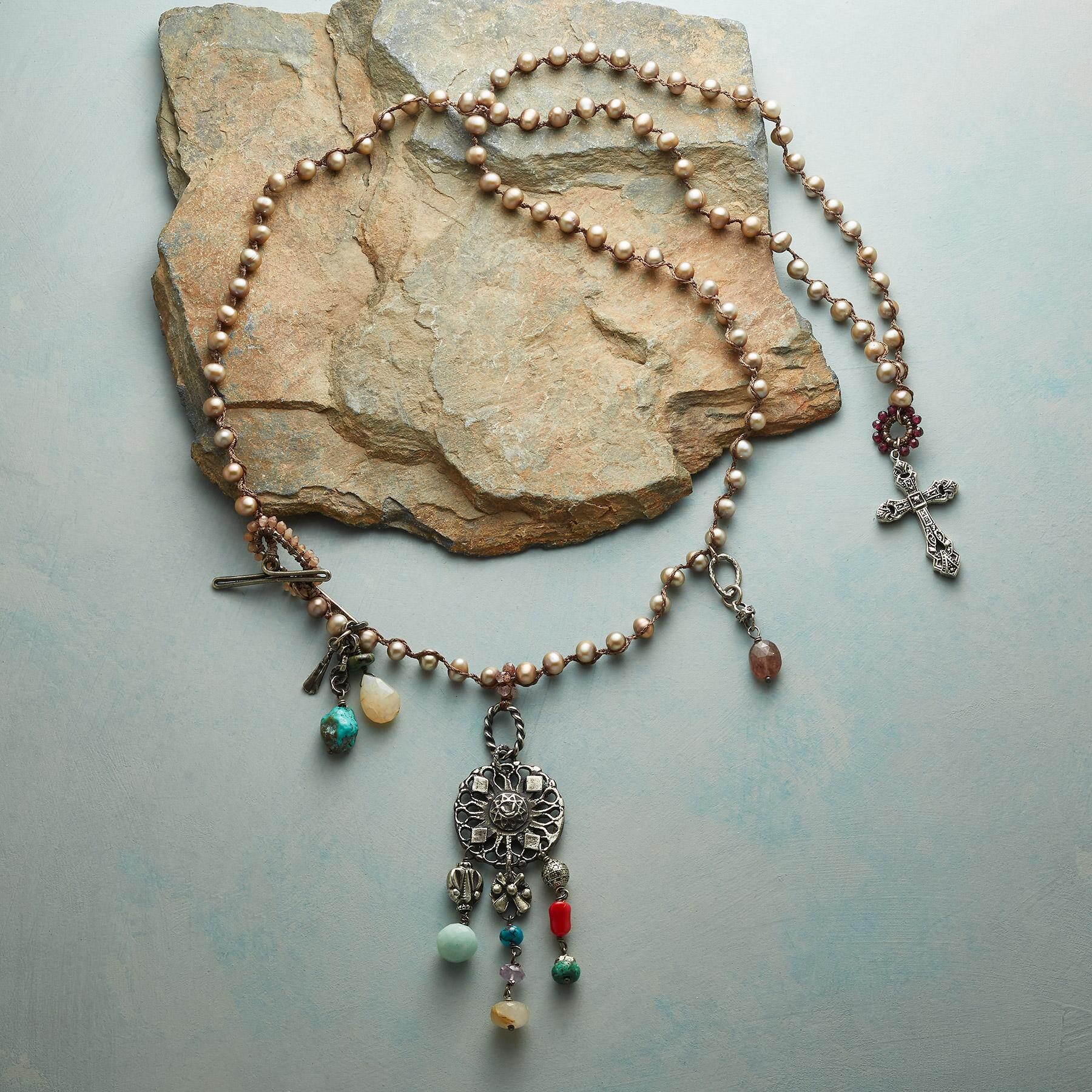 CHAMPAGNE PEARLE NECKLACE: View 2