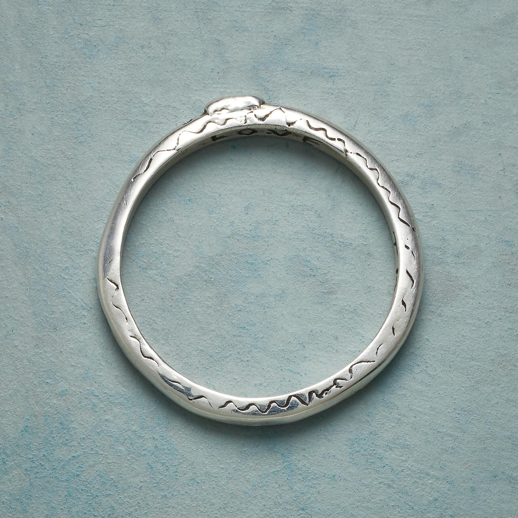 STERLING SILVER SWEET KISS RING: View 4
