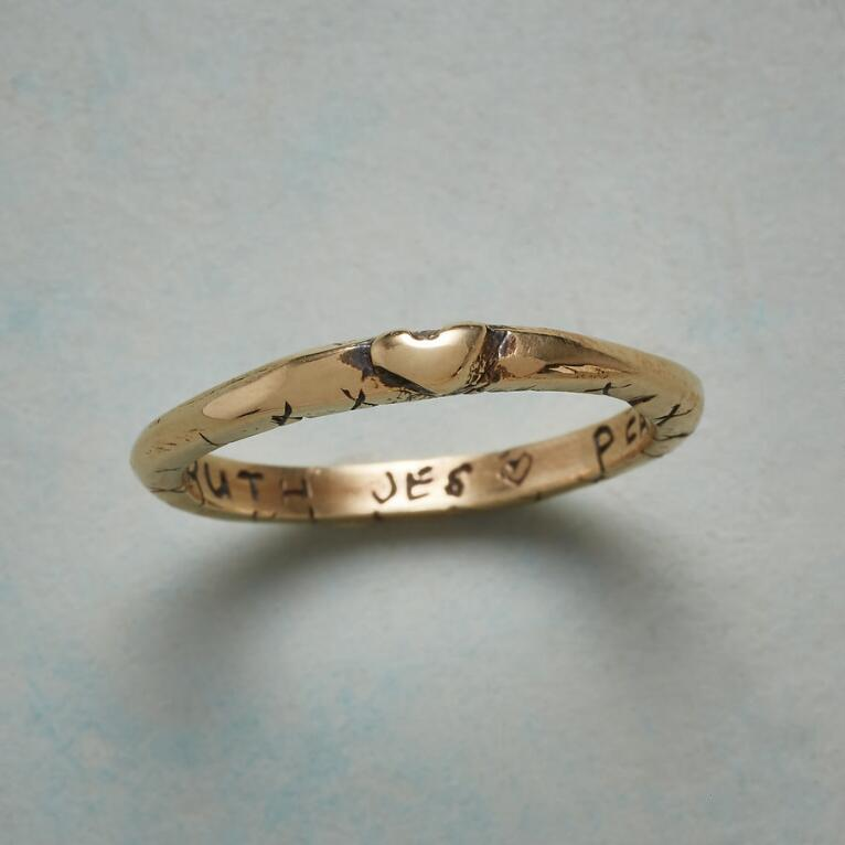 YELLOW GOLD SWEET KISS RING