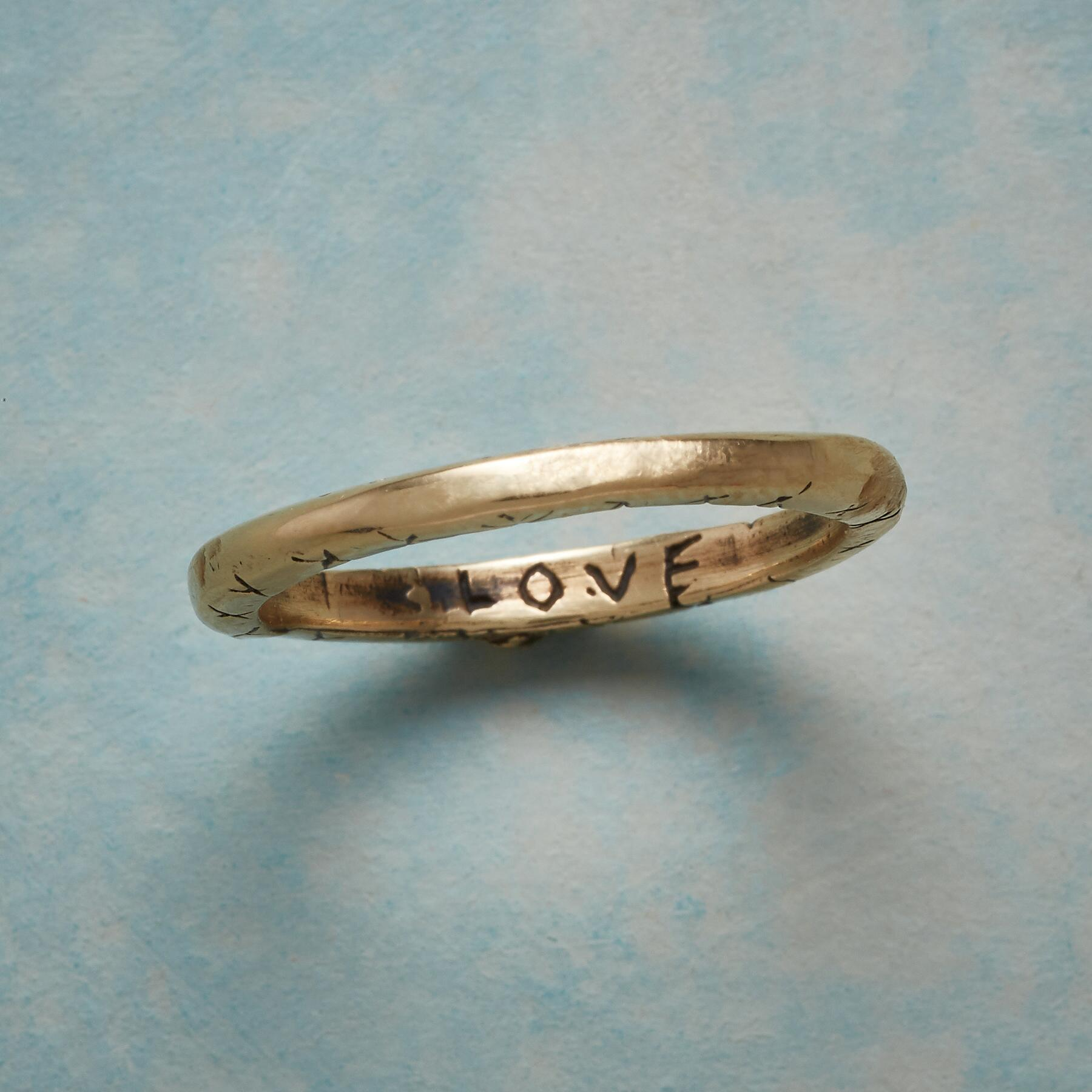 14KT YELLOW GOLD SWEET KISS RING: View 4