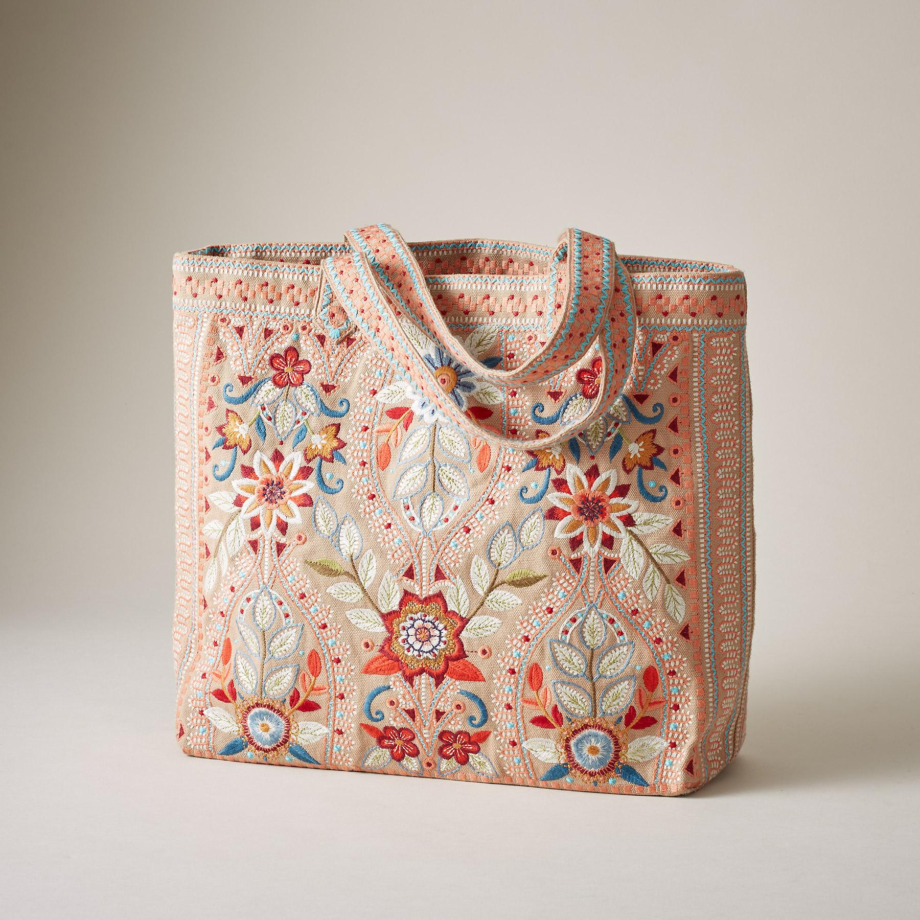 MAISIE EVERYDAY TOTE: View 2