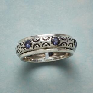 SCALLOPED IOLITE RING