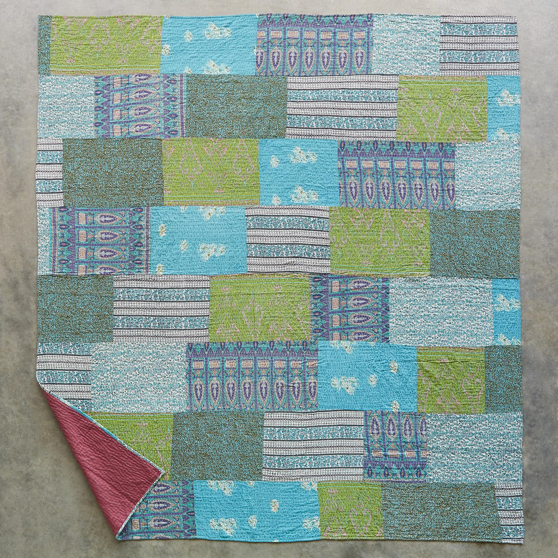 GEORGIE LIGHTWEIGHT QUILT: View 2