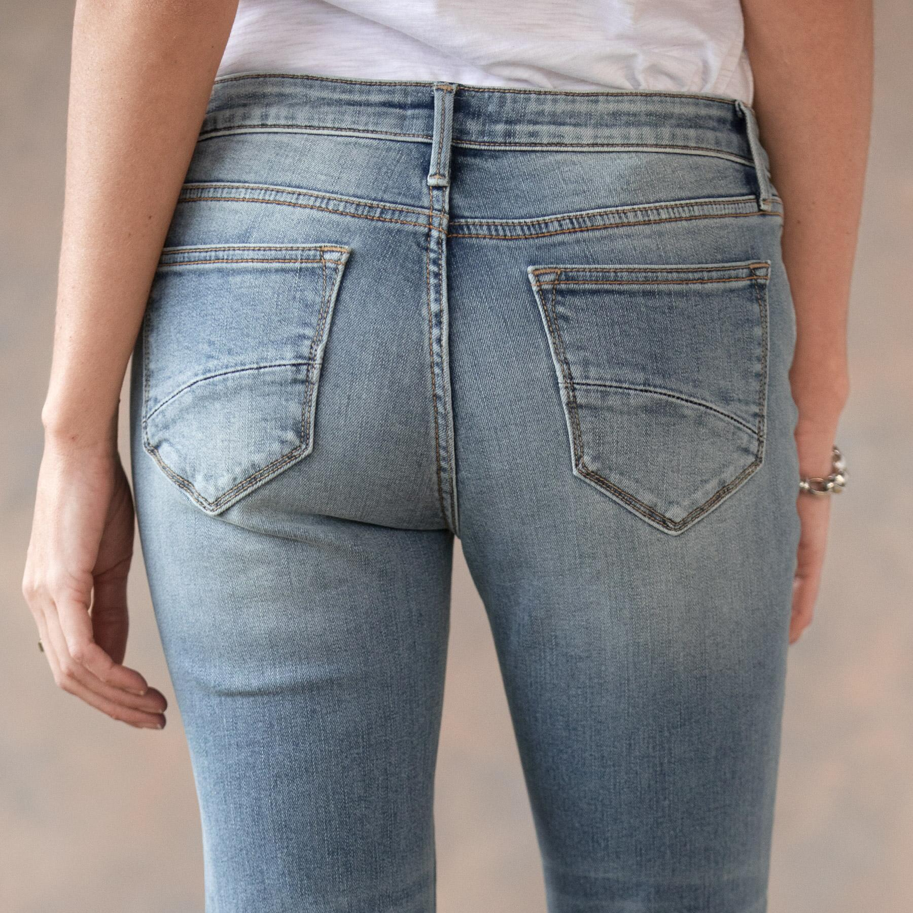 ROXY LIGHT WASH JEANS: View 6