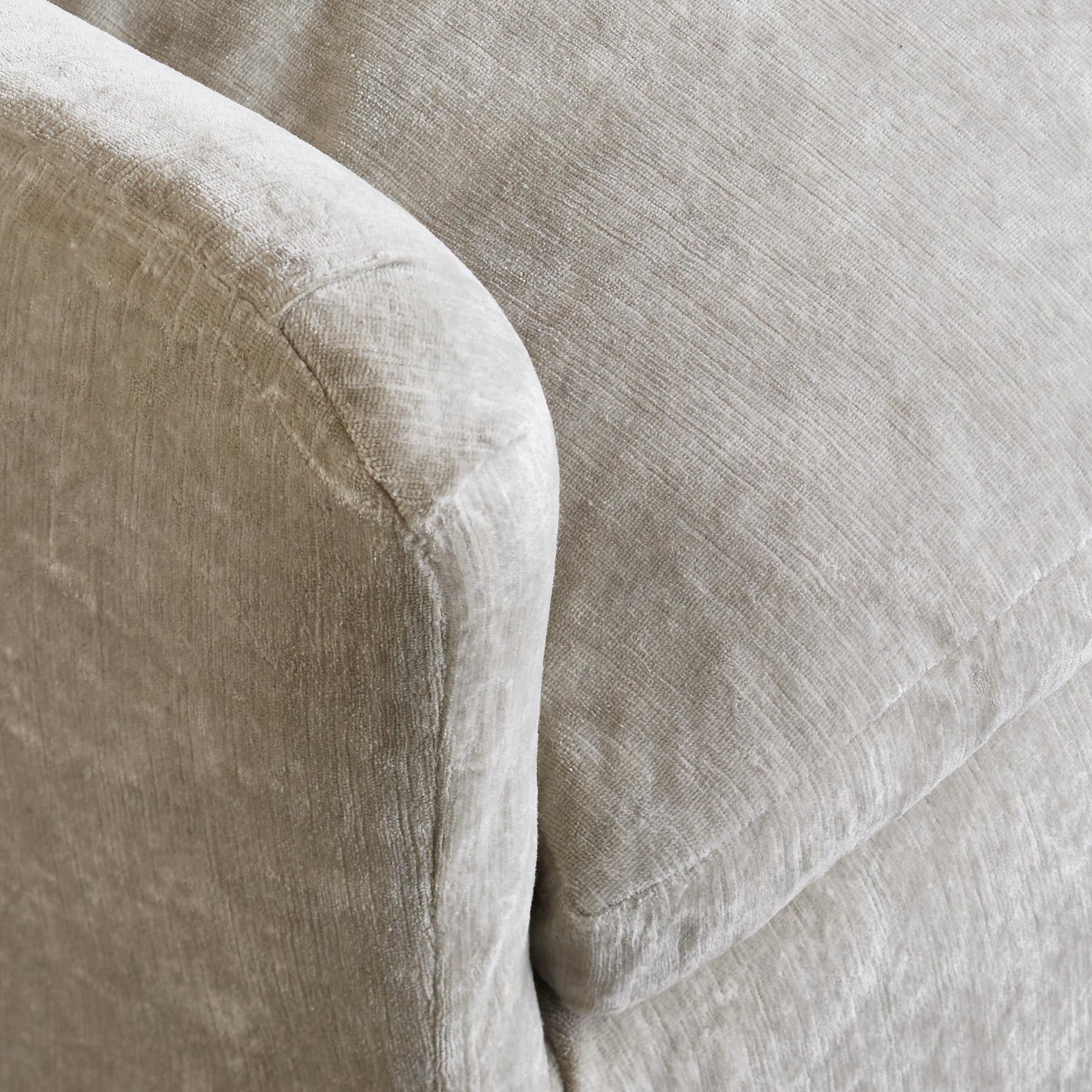 DEIRDRE VELVET SWIVEL CHAIR: View 2
