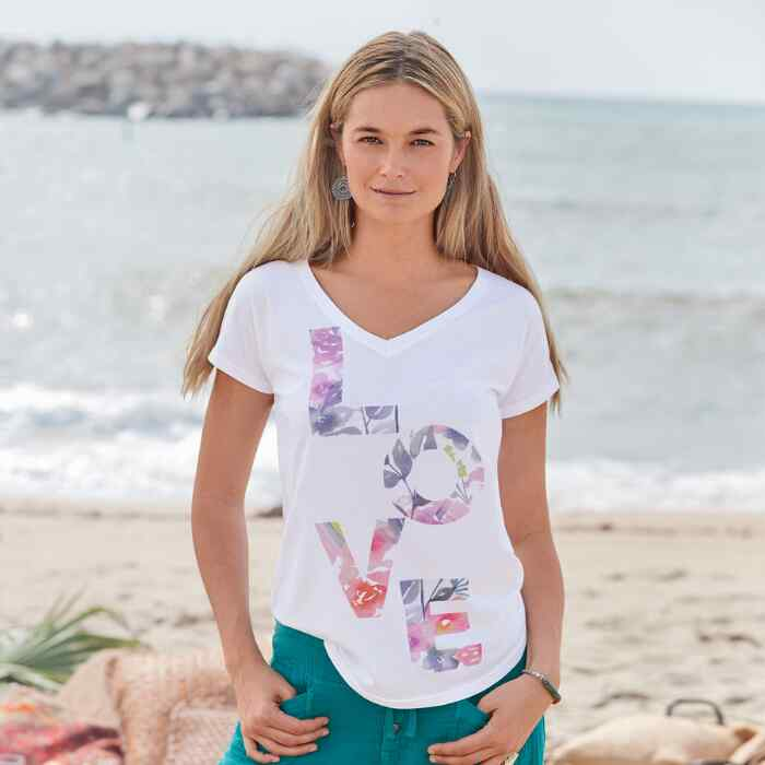 LOVE IN THE AIR TEE