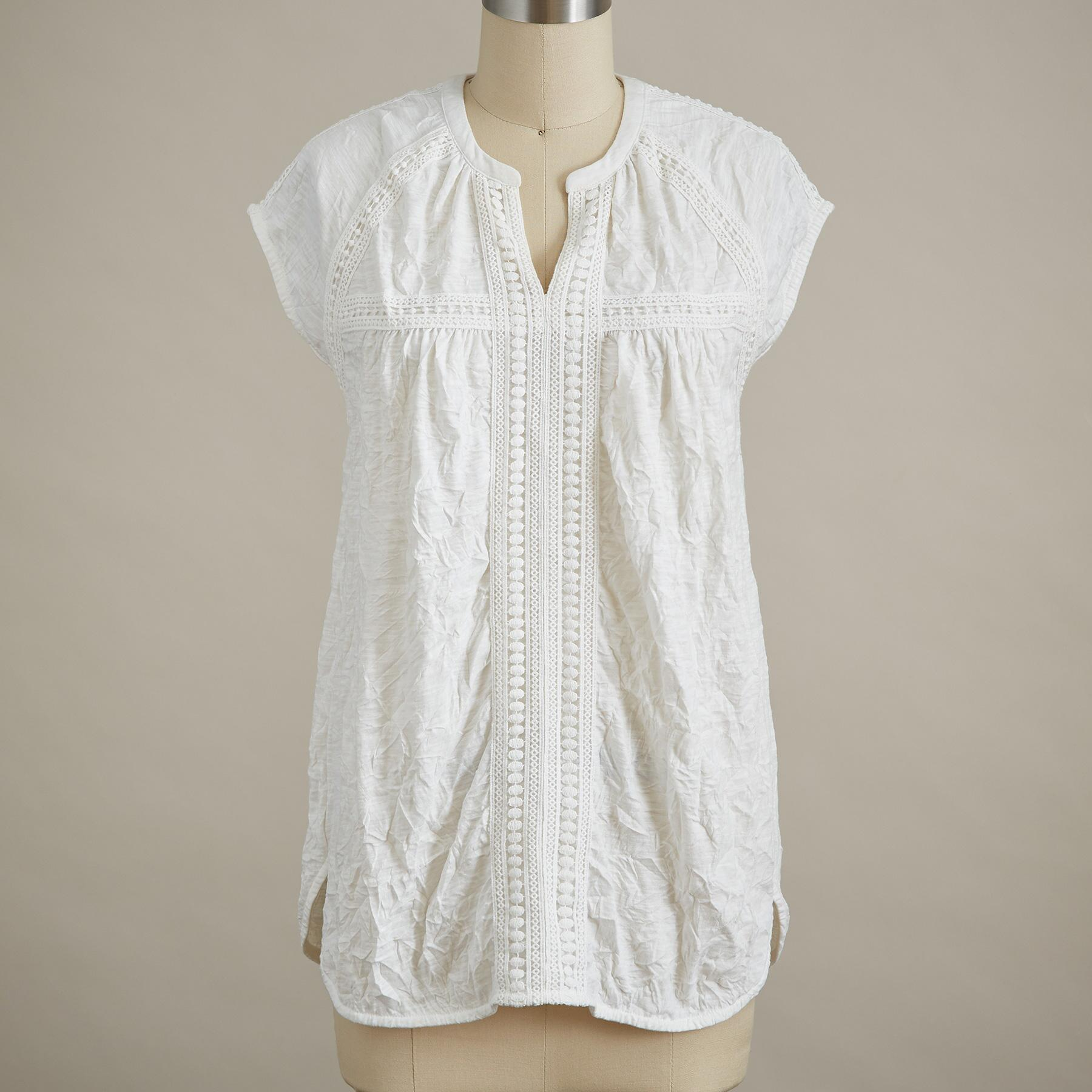 ROMANCE TEXTURED SHORT-SLEEVE TEE - PETITE: View 2